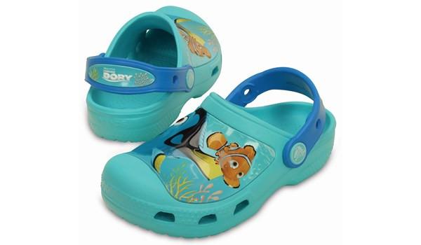 Kids Creative Crocs Finding Dory Clog, Pool 4