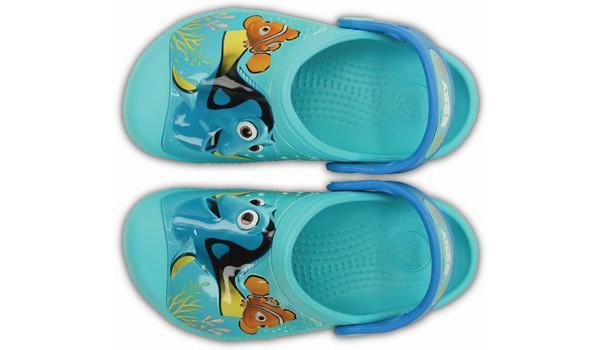 Kids Creative Crocs Finding Dory Clog, Pool 6