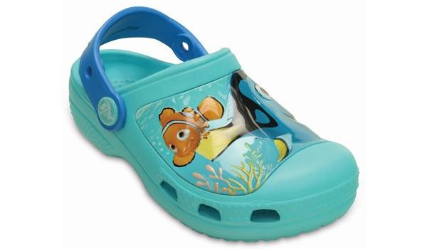 Kids Creative Crocs Finding Dory Clog, Pool 5